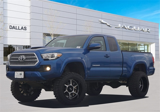 Toyota Tacoma Lifted >> Pre Owned 2016 Toyota Tacoma Trd Sport 6 Speed Manual Lifted Custom Wheels And Tires 4d Access Cab