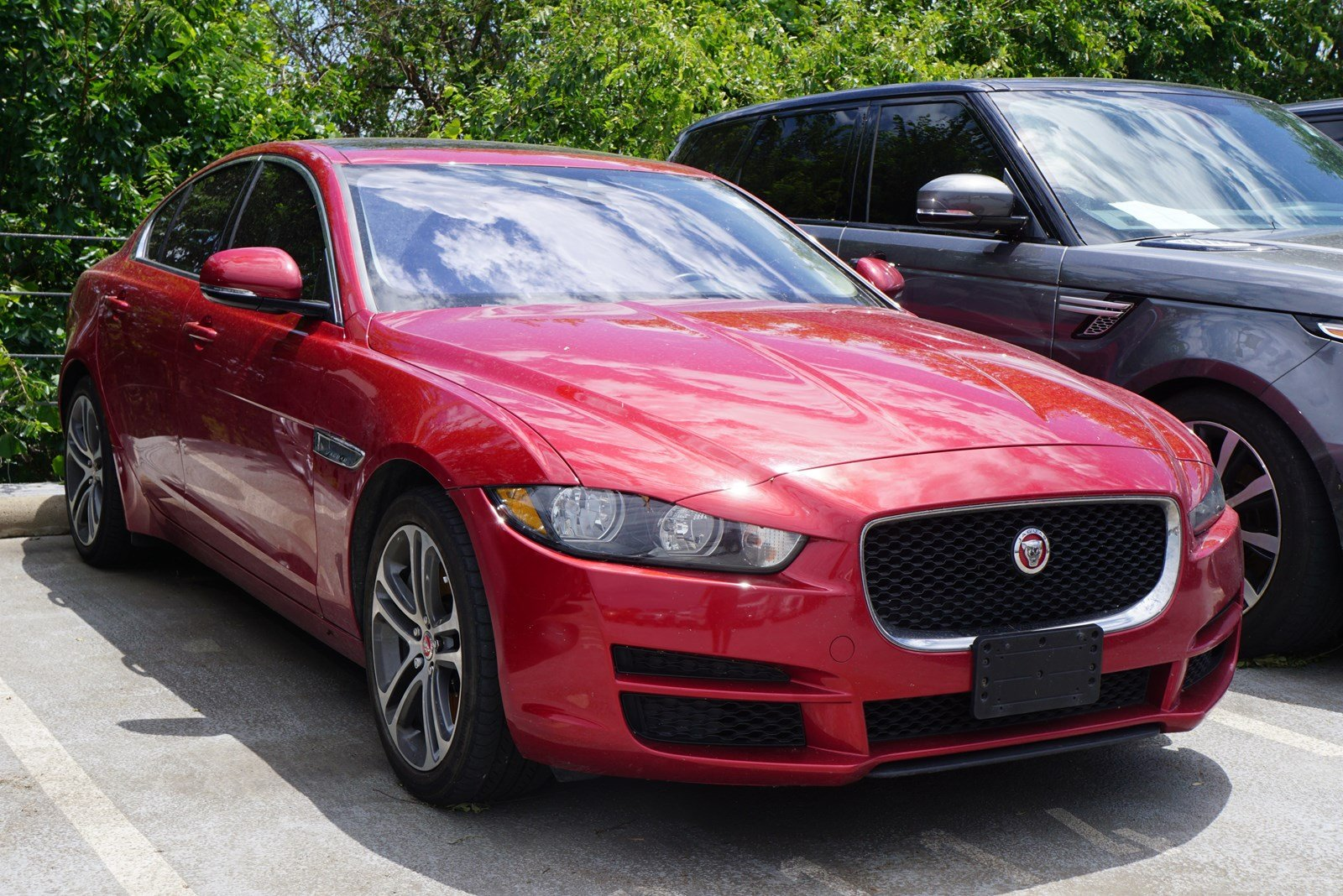 2017 Jaguar Xe 35t Premium >> Pre Owned 2017 Jaguar Xe 35t Premium 4d Sedan