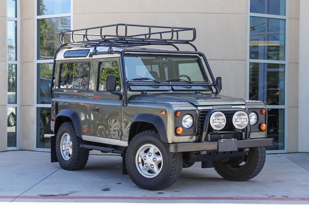 Pre-Owned 1997 Land Rover Defender 90 LE